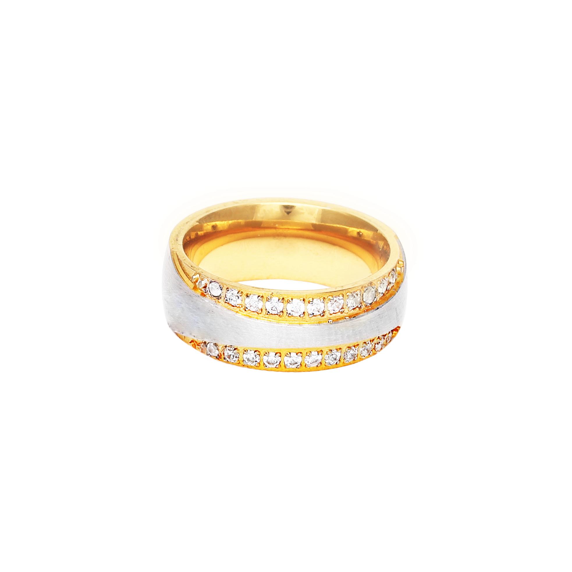 Дамска сватбена халка от жълто злато, с диаманти и декоративна ивица от бяло злато.