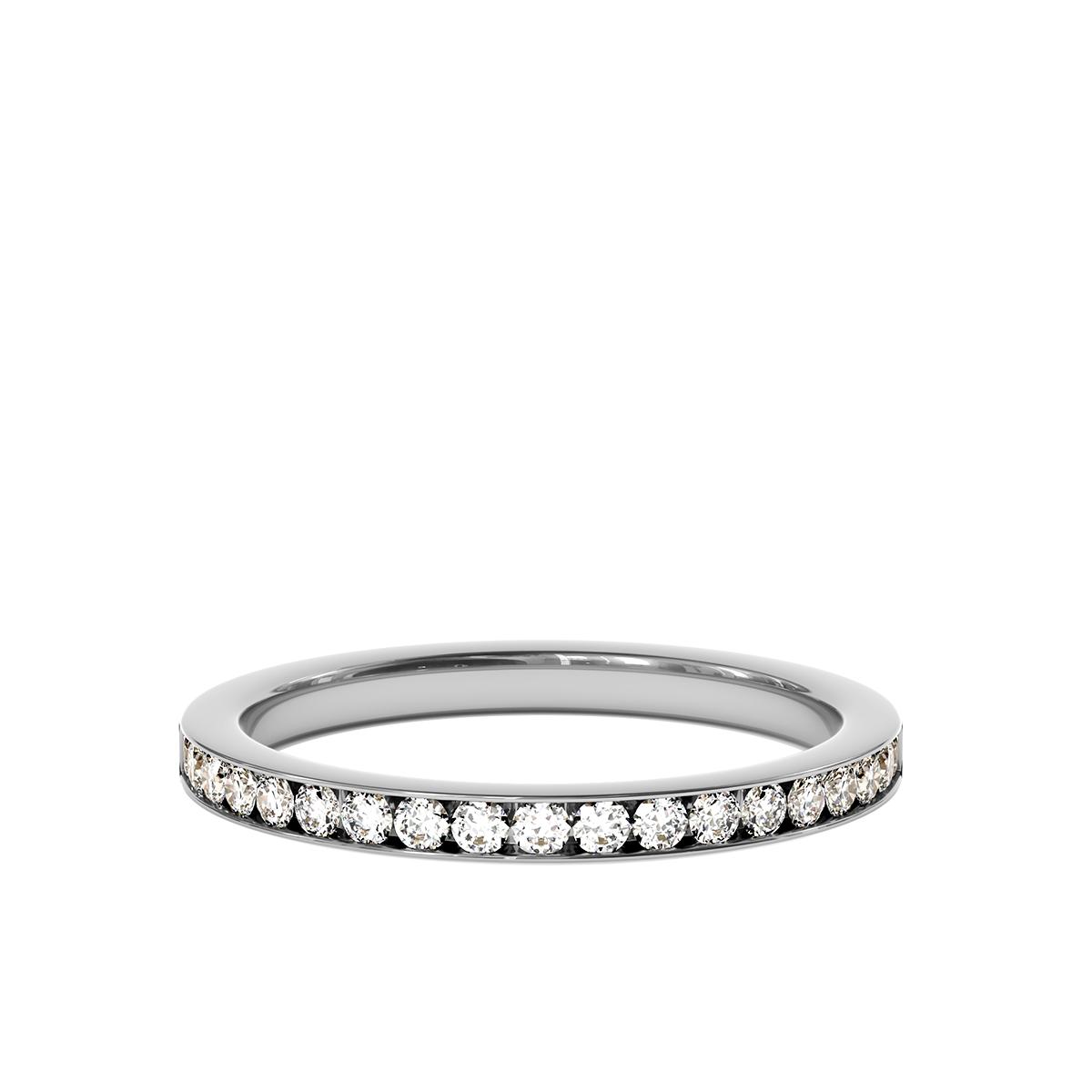 Сватбена халка Queen за нея от бяло злато и диаманти.