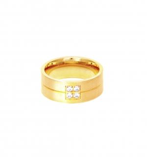 Дамска златна сватбена халка с 4 диаманта, инкрустирани под формата на квадрат.
