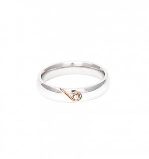 Дамска сватбена халка от бяло злато с полусърце от розово злато и диамант.