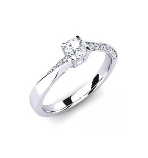 Златен годежен пръстен с централен диамант в обков и по- малки диаманти по периферията