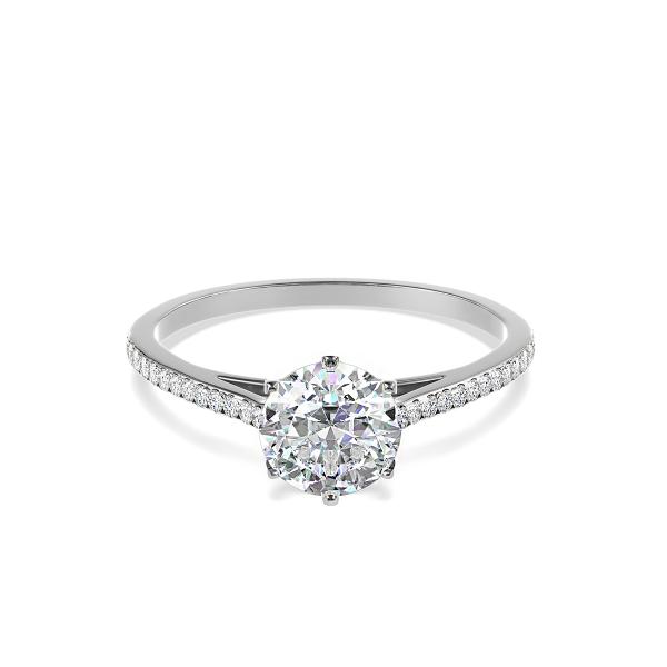 Златен годежен пръстен с централен диамант в обков и по-малки диаманти по периферията.